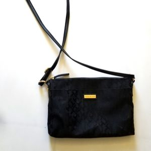 Tommy Hilfiger long shoulder strap purse